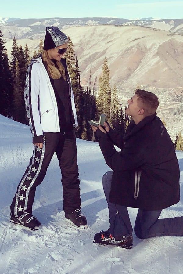 Paris Hilton est fiancée à l'amour de sa vie: PHOTOS/VIDÉO