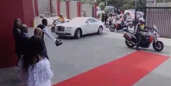 Découvrez Alph Lukau, le pasteur le plus riche du monde selon MTO