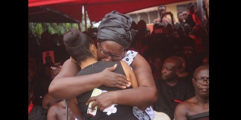 Obsèques d'Ebony: des milliers de fans répondent présents (photos)