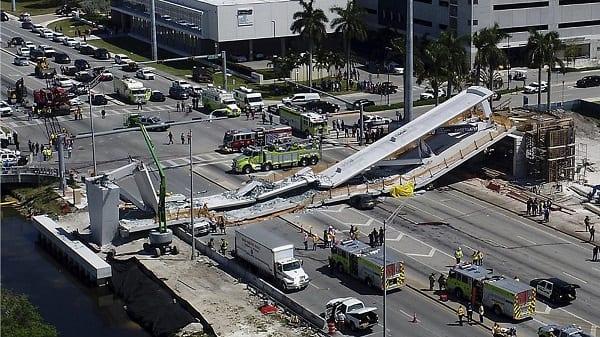 USA: Un pont piétonnier s'effondre et fait plusieurs morts (PHOTOS/VIDÉO)