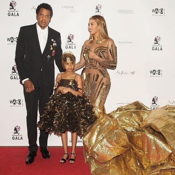 People : 35 travailleurs et 10 jours pour finir une robe de Beyoncé