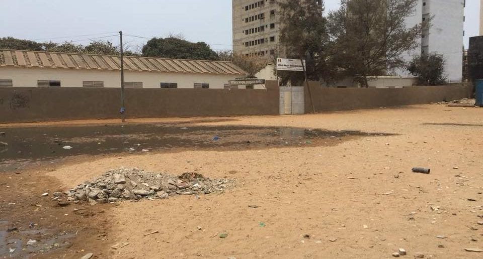 Sénégal: Images choquantes de l'insalubrité devant une école de la capitale