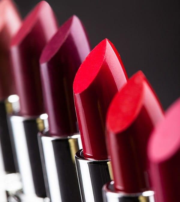 astuce beaut mesdames voici exactement quand vous devriez jeter votre maquillage. Black Bedroom Furniture Sets. Home Design Ideas