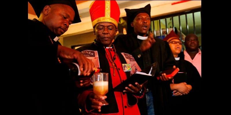 Afrique du Sud/Gabola: L'église où l'alcool est utilisé pour le culte et le baptême (photos)