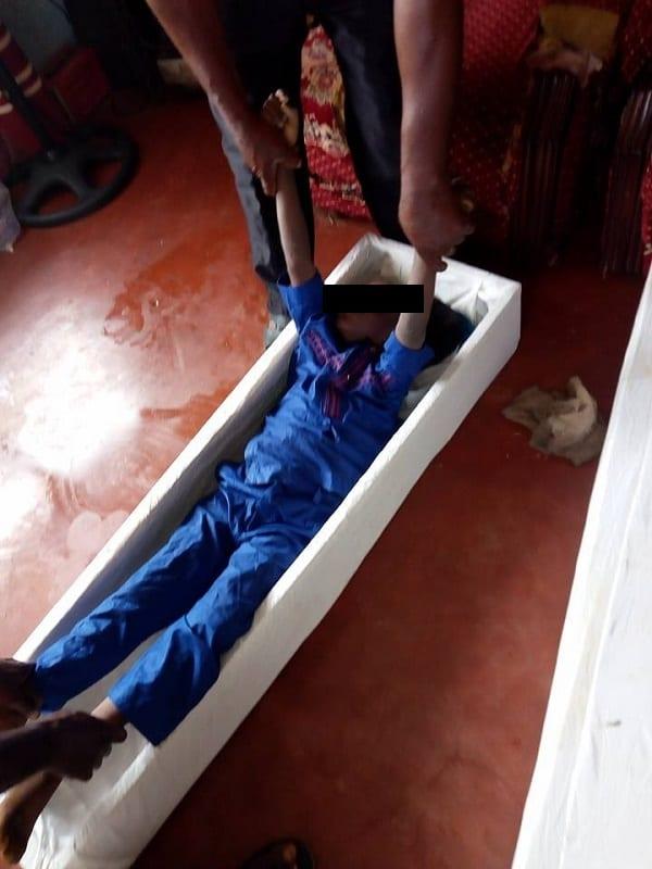 Nigeria: Des jumeaux retrouvés morts dans le réfrigérateur de leurs parents (PHOTOS)