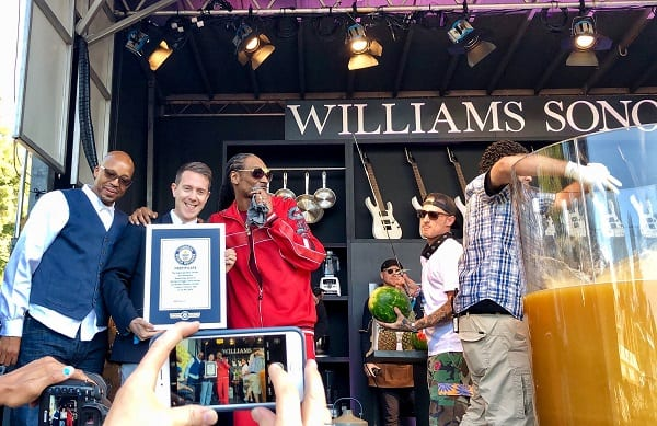 Snoop Dogg bat le record Guinness du plus grand « Gin and juice »