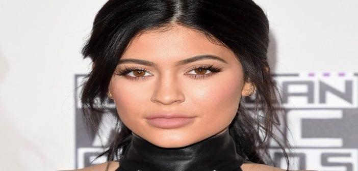 Kylie-Jenner-Stop-Hiding-Pregnancy