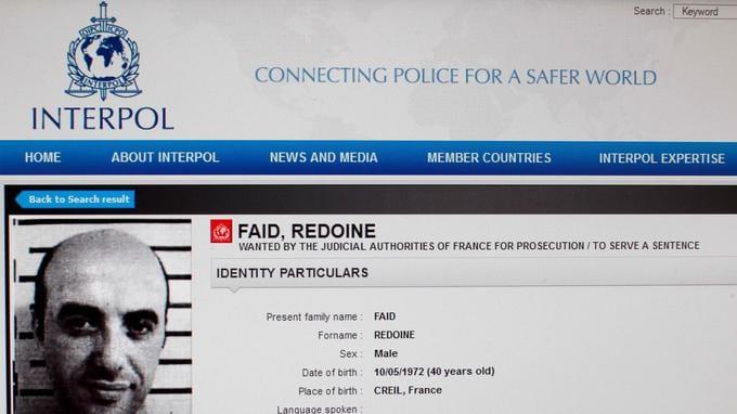 France: Un prisonnier professionnel du braquage s'évade en hélicoptère (Vidéo)