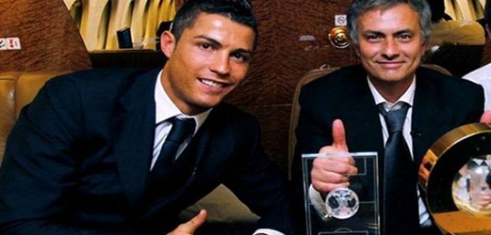 cristiano_ronaldo_599_and_jose_mourinho_posing_for_a_photo_with_the_fifa_balon_dor_award