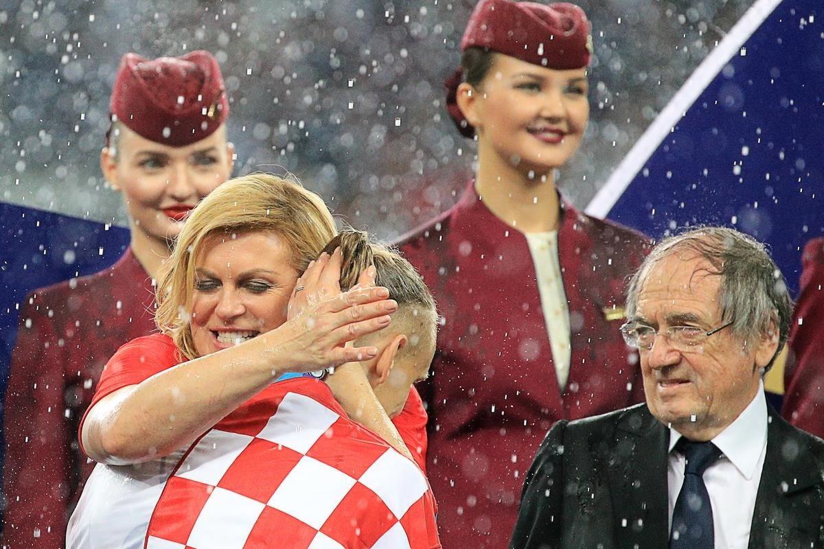 Mondial 2018: Les câlins de la présidente Croate jugés excessifs lors de la finale