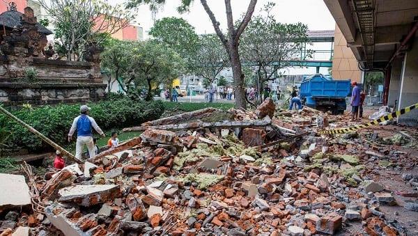 Indonésie: Plus de 90 morts et des centaines de blessés après un tremblement de terre