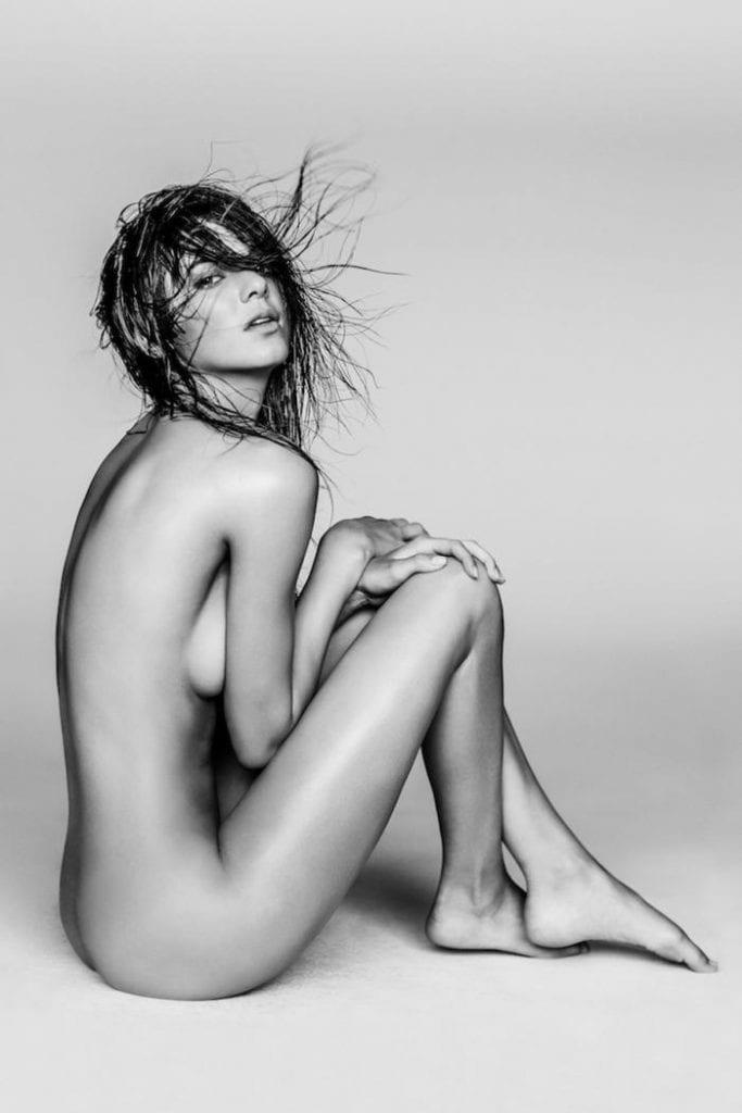 People: Des photos nues de Kendall Jenner affolent la toile!