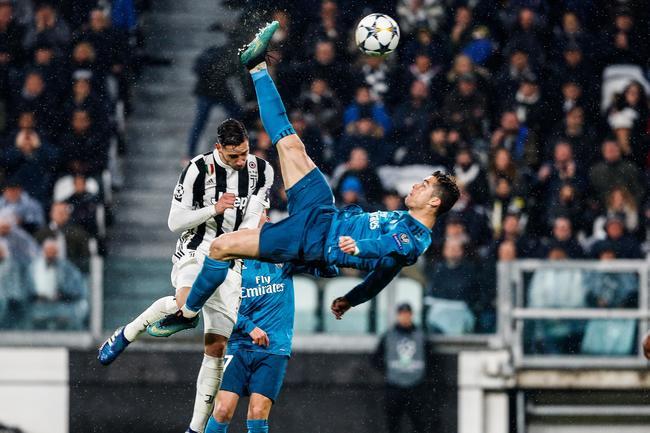 Football: Ronaldo mécontent du prix Puskas de Salah réagit-VIDEO