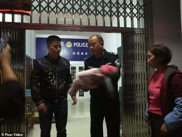 Chine: voulant désespérément un fils, il vend sa fille à des étrangers