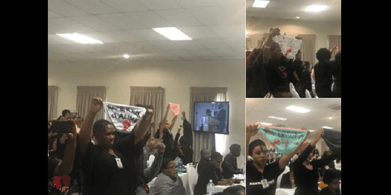 Afrique du Sud: Victime de viol, elle se met nue pour montrer ses cicatrices au président (photos)
