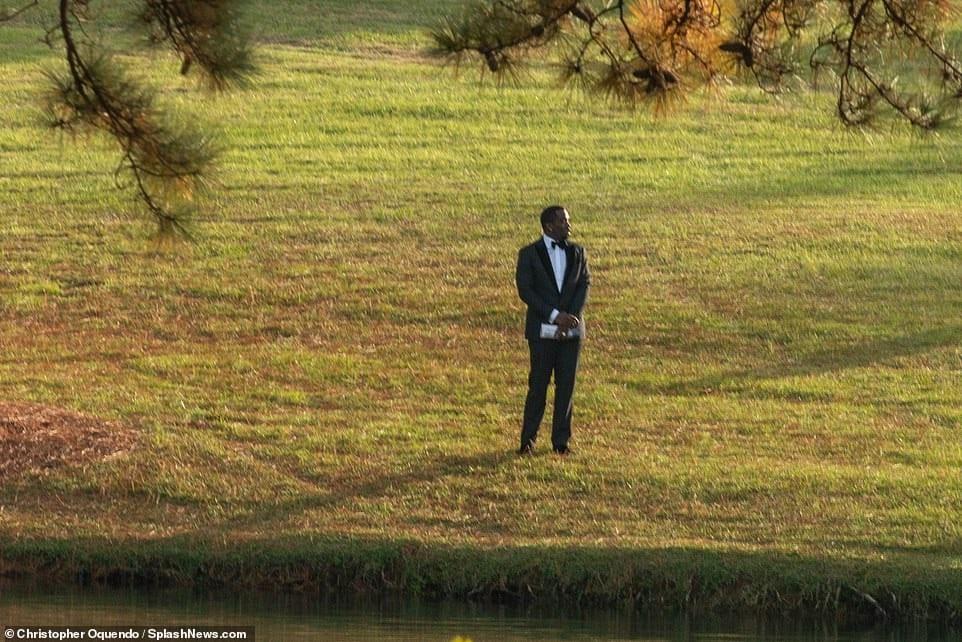 Funérailles de Kim Porter: P. Diddy rend un vibrant hommage à son ex-compagne (photos)
