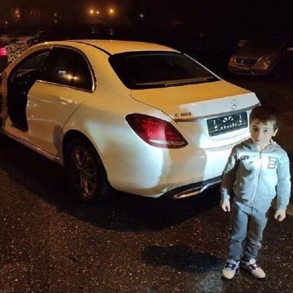 Un garçon de 5 ans reçoit une Mercedes pour avoir effectué 4.105 pompes