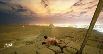 couple pyramide