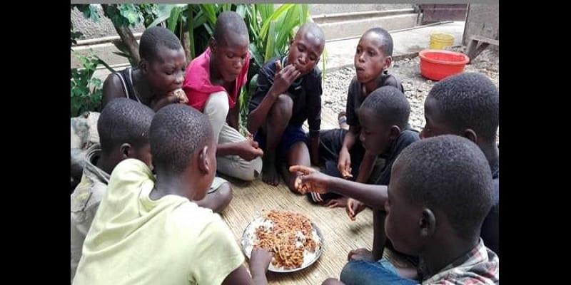 Mama Dimanche: La femme qui nourrit les enfants de la rue au Burundi (photos)