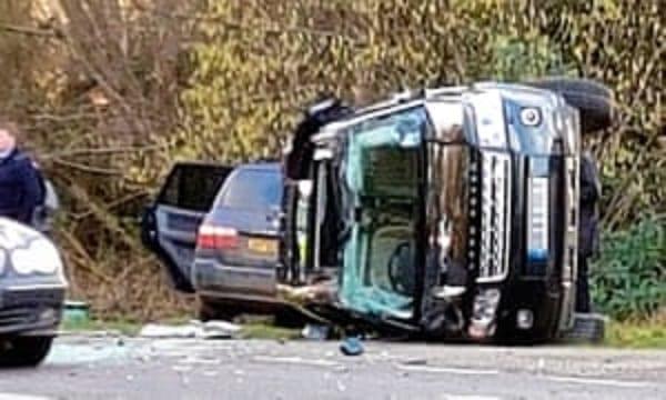 Le Prince Philip impliqué dans un accident de voiture: Un détail surprend les Anglais!