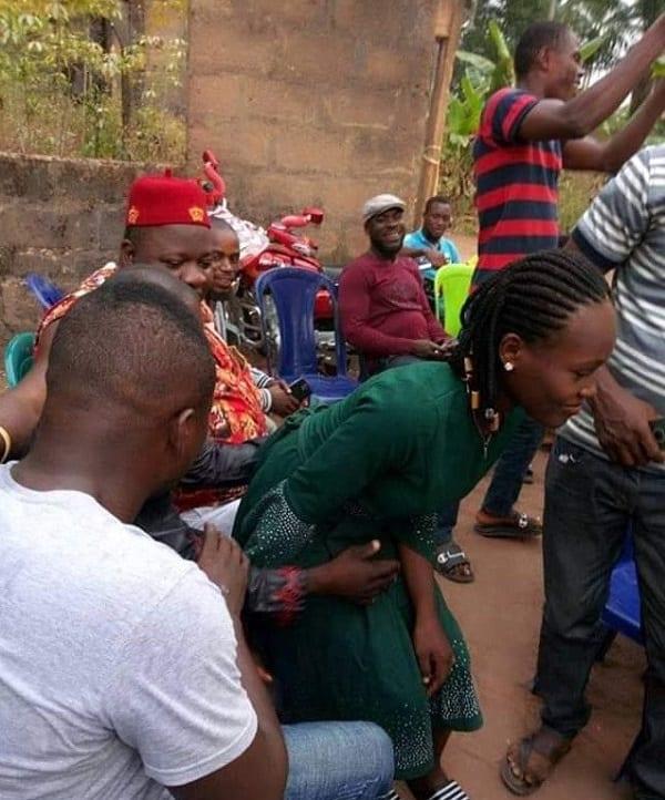 """Nigeria: une fille de 16 ans forcée à épouser un riche """"mentalement déséquilibré"""""""