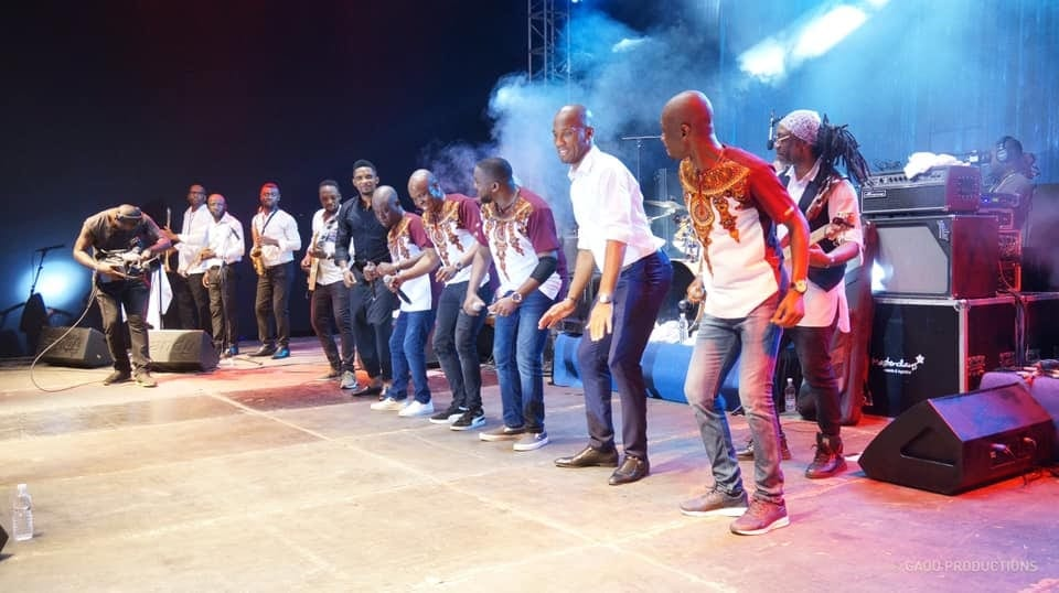 Drogba and Eto'o perform at the Magic System-Photos concert