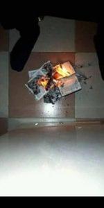 Nigeria: Un homme brûle la Bible et donne ses raisons (photos)