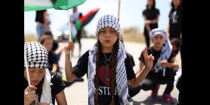 L'histoire de Janna Jihad Ayya, 13 ans, la plus jeune journaliste au monde (photos)
