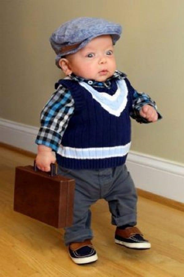 Insolite: Un père partage d'adorables photos de son fils faisant des choses d'«adulte»