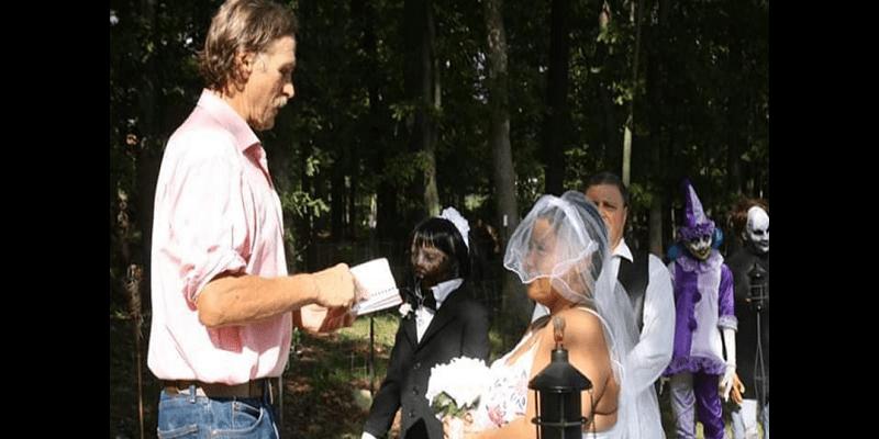 Elle épouse sa poupée zombie et fait de troublantes révélations (photos)