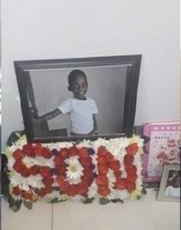 Afrique du Sud: elle raconte comment des voleurs ont fait irruption chez elle et tué son fils