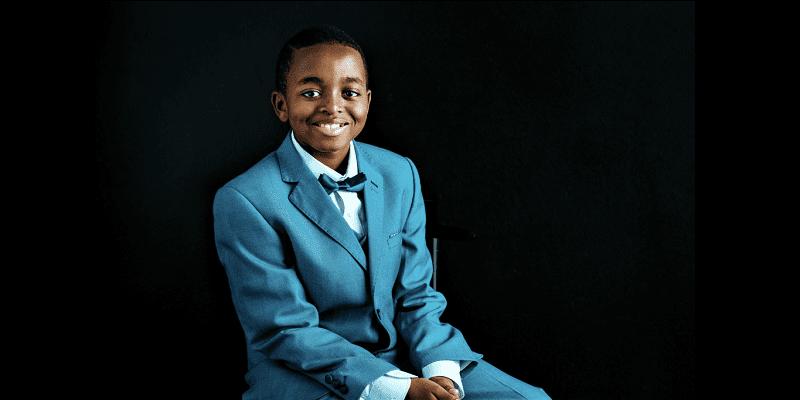 L'incroyable histoire de Joshua Beckford, devenu le plus jeune étudiant de l'Université d'Oxford à 6 ans (vidéo)