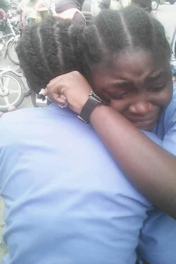 Cameroun: Un élève poignarde mortellement par son camarade(Vidéo)