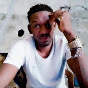Gabon : Un footballeur s'écroule et décède en plein match (vidéo)
