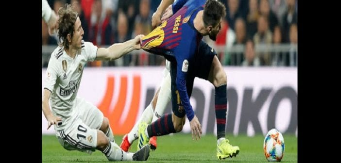 Clasico : Le Barça se moque de Luka Modric pour son geste sur Lionel Messi-Photos