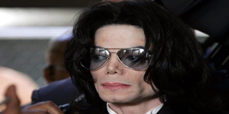 Le réalisateur admet qu'un des deux accusateurs aurait menti — Leaving Neverland