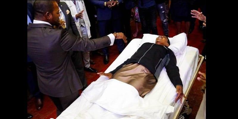 Afrique du Sud : Le pasteur Alph Lukau opère « un autre miracle » (photos)