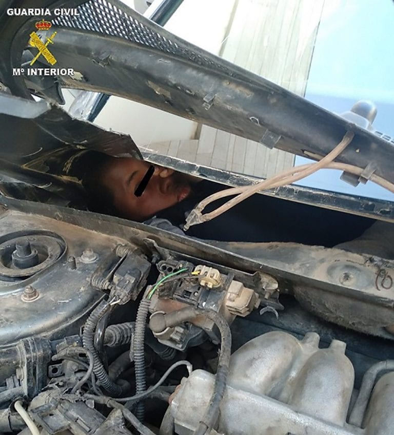 Morocco: 4 migrants found hidden in dashboards and car engines