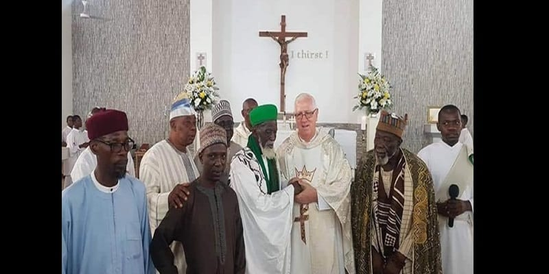 Ghana: Le chef imam assiste à une messe catholique, la toile s'indigne (photos)