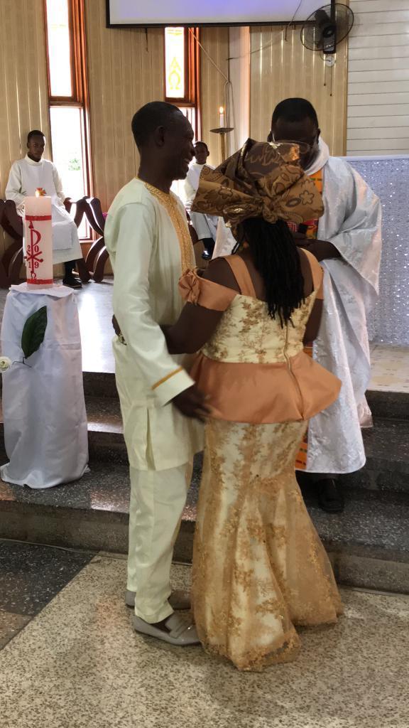 Nigeria : Un musulman et sa femme catholique bénissent leur union à l'église après 37 ans de mariage (photos)