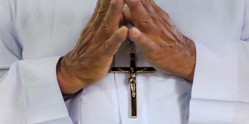 France: accusé de viol, un prêtre congolais placé sous contrôle judiciaire et suspendu