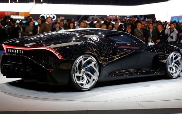 """Cristiano Ronaldo achète la """"voiture la plus chère du monde"""" : Photos"""
