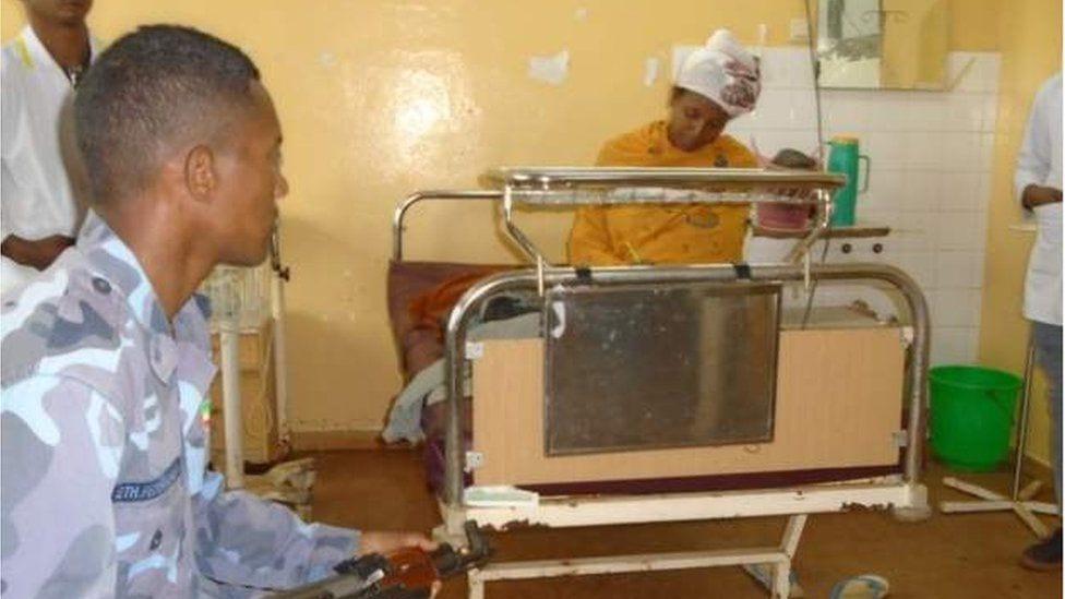 Une Éthiopienne passe son examen scolaire 30 minutes après l'accouchement (photo)