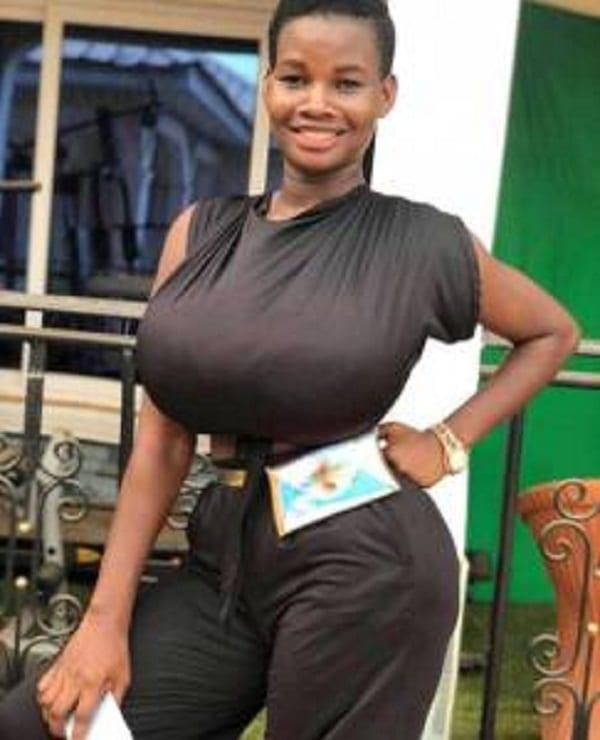"""""""La taille de mes seins est une bénédiction pour moi"""", dixit une ghanéenne"""