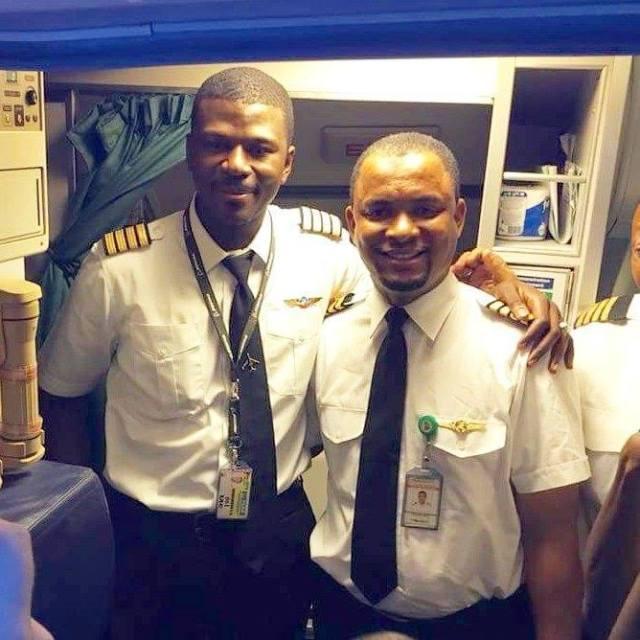 Embauché comme agent de nettoyage avion, il devient capitaine 24 ans plus tard (photos)