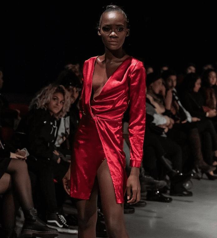 Un mannequin ghanéen prend la fuite après son arrivée à Paris