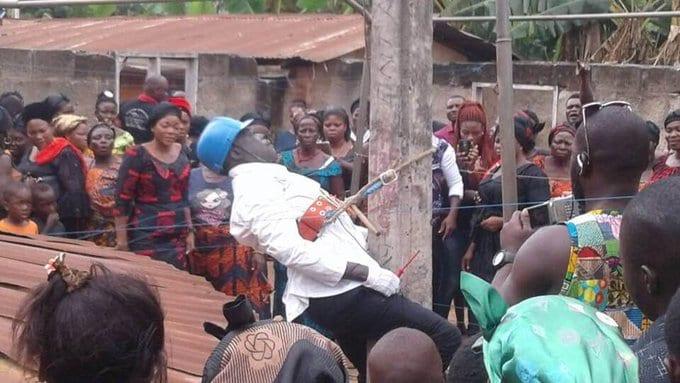 5 choses étranges pratiquées en Afrique pour accompagner les morts à leur dernière demeure (vidéo)