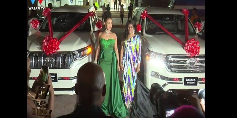 Diamond Platnumz: sa petite amie enceinte de leur premier enfant, le chanteur lui offre une voiture (vidéo)