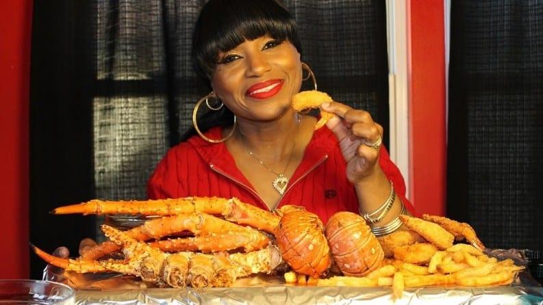 Bethany, la femme qui est devenue millionnaire en mangeant sur Youtube