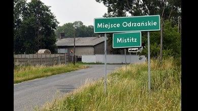 17150082-7345959-The_southwestern_Polish_village_of_Miejsce_Odrzanskie_pictured_a-m-21_1565519153853